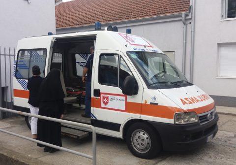 """Manastir u Izvoru, """"Make a WISH"""": ambulantno vozilo."""