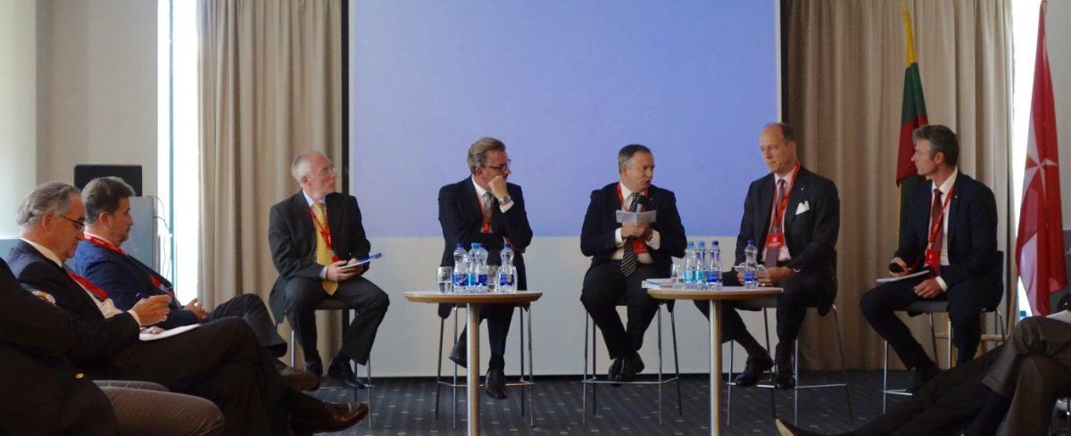 Un momento dei lavori: panel Management and Communication. Al centro, col microfono in mano, il Direttore della Comunicazione di Palazzo Magistrale, Eugenio Ajroldi