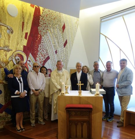 Ambassador Alberto di Luca with his wife and colleagues from the Embassy of the Sovereign Order of Malta in Belgrade. Joined together in the chapel of the Archbishop of Belgrade with H.E. Mons. Stanislav Hocevar at the Holy Mass dedicated to all collaborators of the Order as well as to volunteers involved in humanitarian actions in Belgrade.