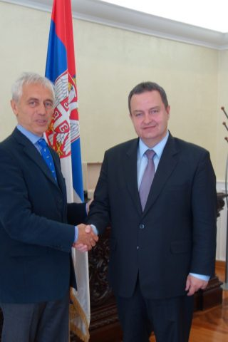 Ministar spoljnih poslova i vršilac dužnosti premijera Srbije, Ivica Dačić, organizovao je ručak za sve šefove inostranih delegacija koje su pristigle na događaj kao i za ambasadore akreditovane u Beogradu.