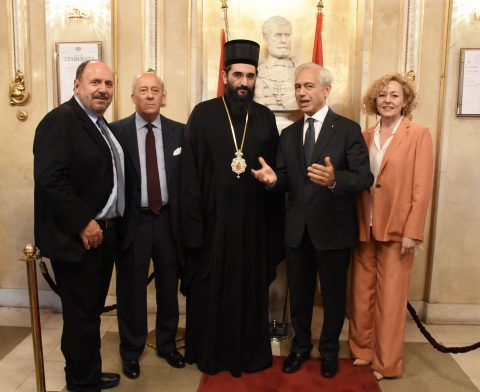 Bishop of Niš Arsenije delegated by His Holiness Serbian Patriarch Irinej. In the photo, with Counsellor Valter Catoni, Minister Counsellor Carlo Buora (on the left) and Ambassador Alberto di Luca and his wife Emanuela (on the right)