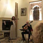 Gosti su tokom večeri uživali u izvođenju priznatih umetnika Nine Karmon, očaravajuće violinistkinje iz Nemačke i Denisa Omerovića, izvanrednog gitariste iz Sarajeva.