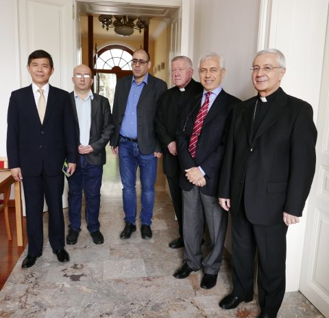 During the break at work, from left to right: Ambassador Andrew Chang (Taiwan), Mr. Gavrilo Grban from the cooperation office between churches and religious communities, Hon. Mr. Vladimir Đukanović, Archbishop of Belgrade Mons. Stanislav Hočevar, Ambassador Alberto di Luca and Apostolic Nuncio Mons. Luciano Suriani