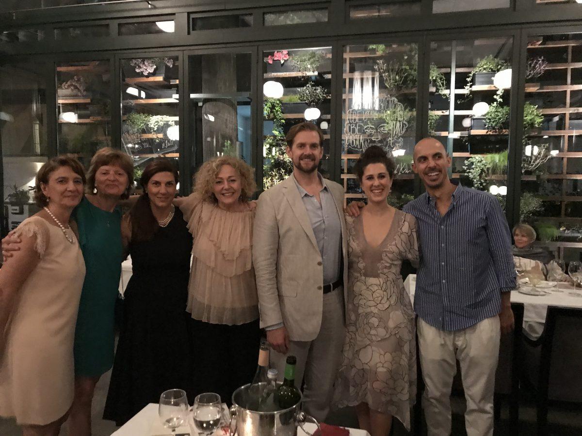 Un cordiale dopo Teatro con gli artisti ed alcune amiche del Sovrano Ordine di Malta