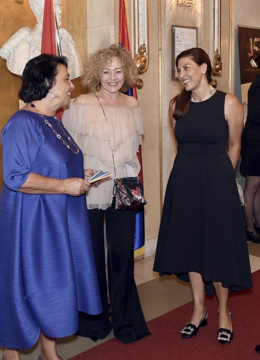 Da sinistra Daniela Buora, Emanuela di Luca e Marialuisa Torre.